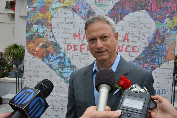 Gary Sinise in group interview