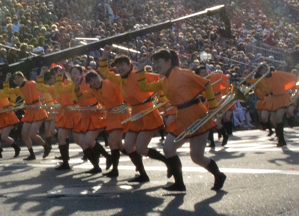 Green Band dips into a dance step in 129th Rose Parade